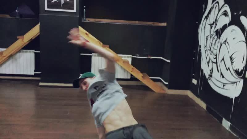 Томские танцоры / Егор / Hip-hop freestyle в Skillz school