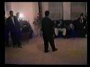 Мужчины соревнуются в мастерстве Пляска в подмосковном цыганском доме Конец 1990 х