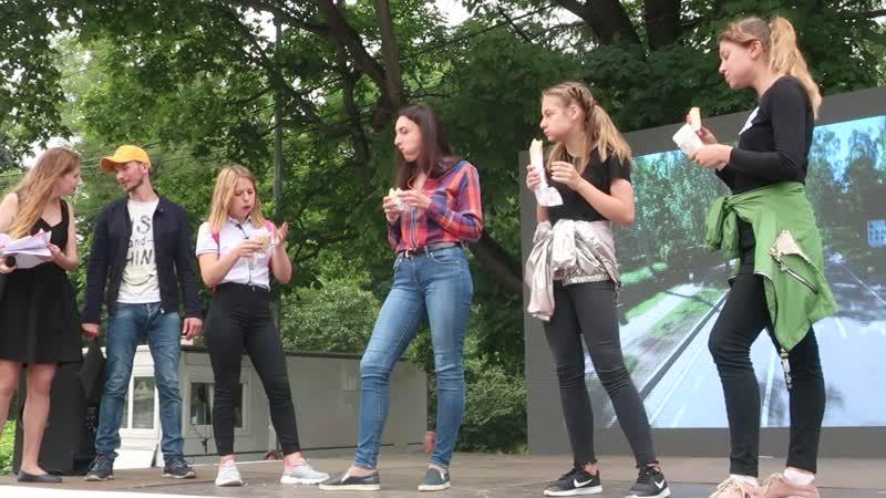 Конкурс по поеданию шаурмы в парке Сокольники