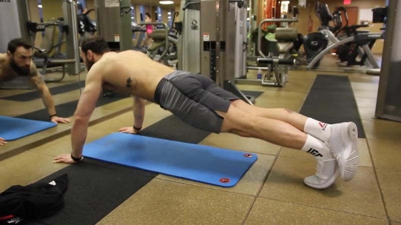 Тренировка бойца MMA - Пол Крейг, отжимания
