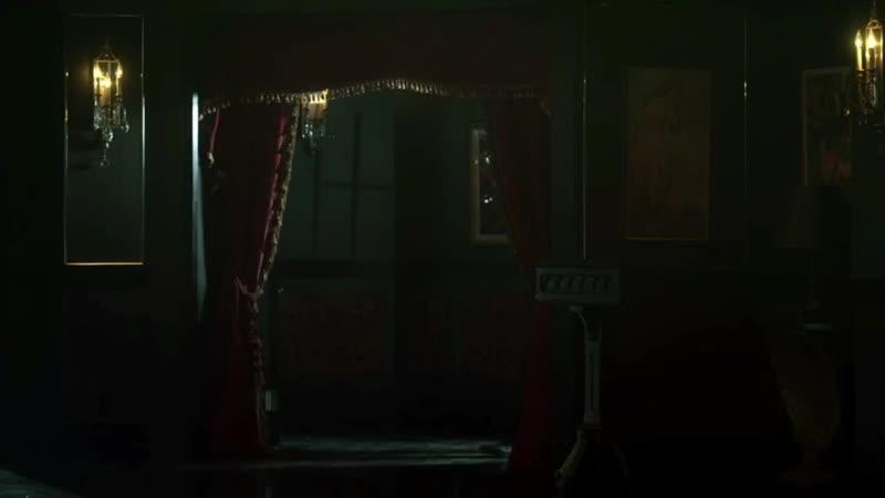 GOTHAM • SEASON 4x22• Alfred needs help from Barbara to find Bruce Wayne