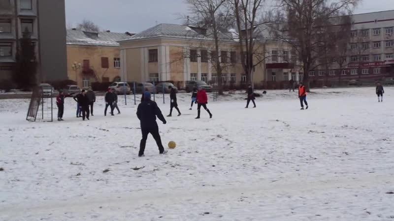 Кризис-кризисом; а футбол по расписанию! ГужевTV