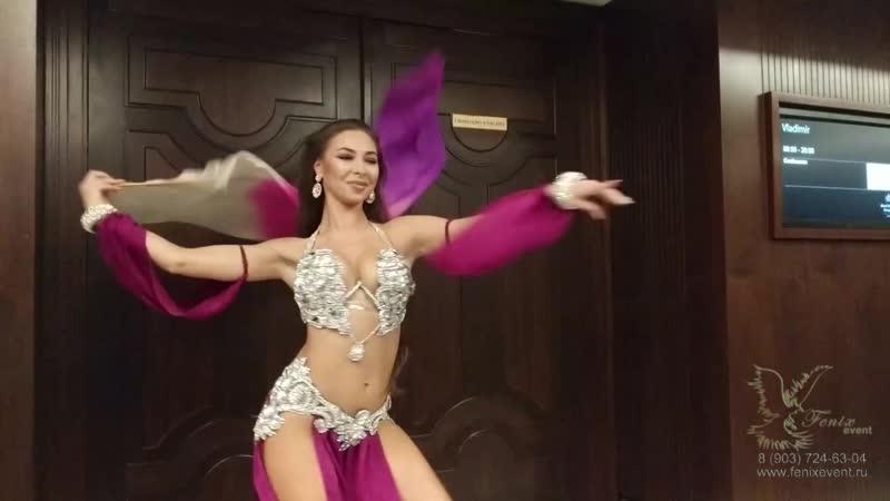 Заказать танец живота на праздник и юбилей в Москве - восточный танец на свадьбу