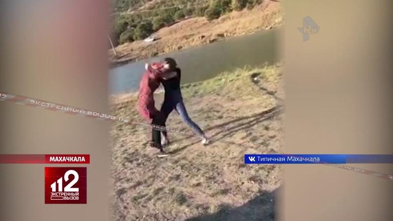 Махачкалинские красотки устроили жестокую драку за мужчину. Видео!