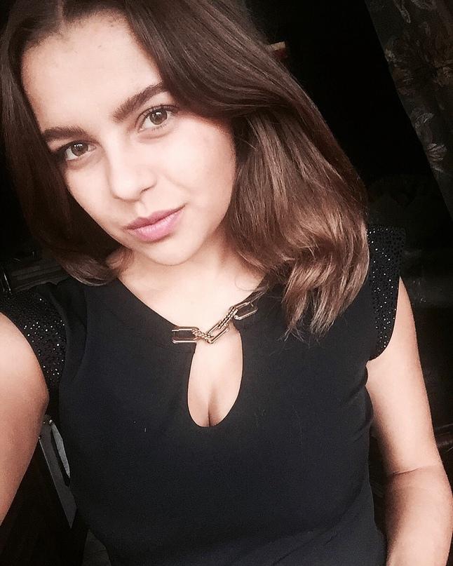 Аня Керимова |