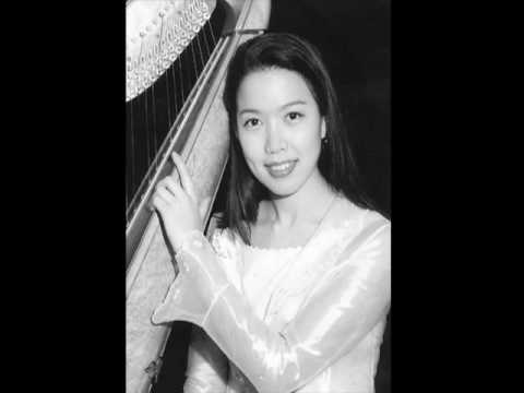 Harpist Chaerin plays famous harp excerpts by Berlioz, Britten, Tchaikovsky and Ravel 김채린