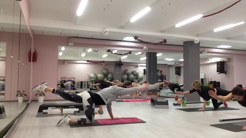 Блок упражнений для мышц спины и мышц живота.