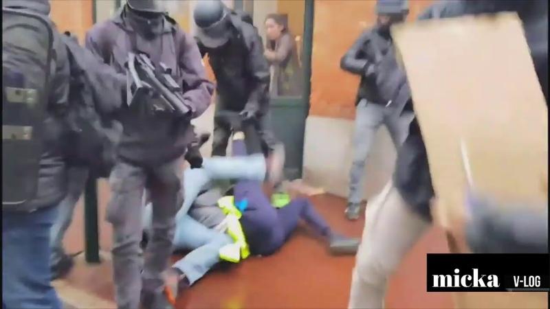GILETS JAUNES LA POLICE SE DÉFOULE SUR UN CITOYEN UNE HONTE FAITES TOURNER AU MAXIMUM!