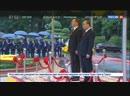 Медведев возложил венки к мемориалу павшим героям в Ханое