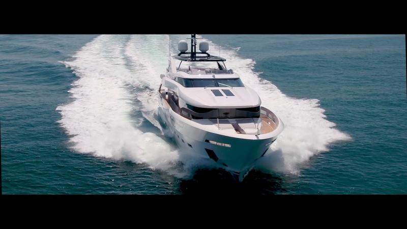 DREAMLINE Yacht 35 M