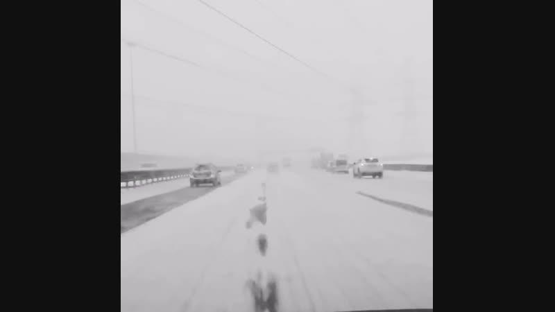 Снегопад на КАД в Петербурге