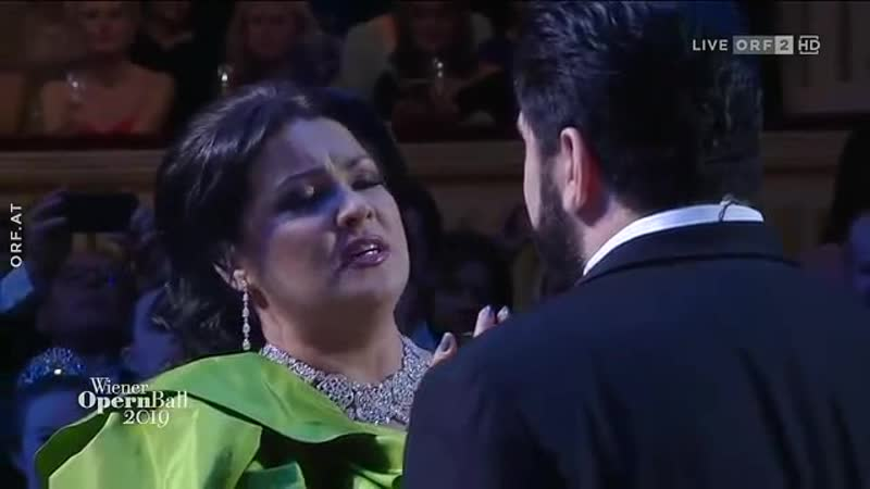 Anna Netrebko and Yusif Eyvazov sing O soave fanciulla from La Boheme by Puccini