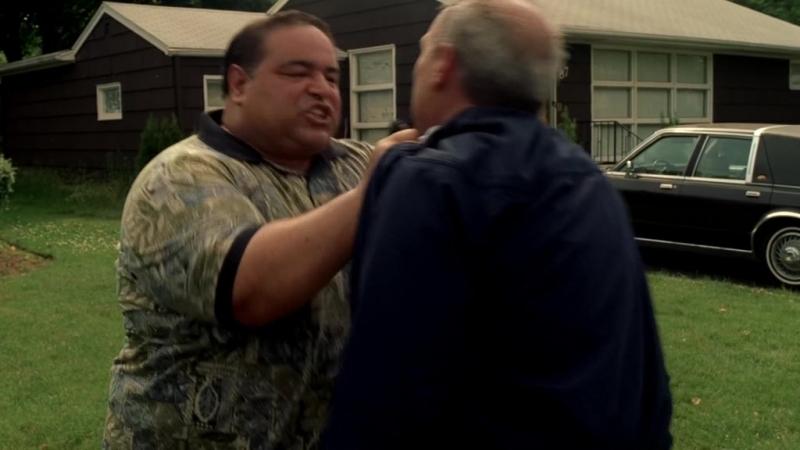 (Клан Сопрано S04E11_08) Ребята Тони успокоили оценщика