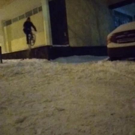 "@woimir on Instagram ""moscow winter snow snowride crash bicycle bike harobike ride mtb mtbstreet bmx freeride free_raiders rido"""
