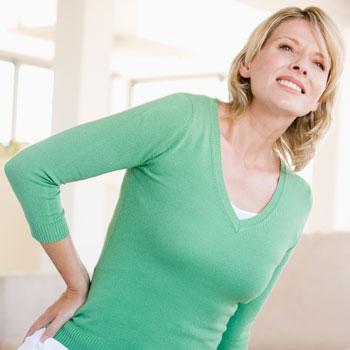 Каковы общие причины жжения в спине?