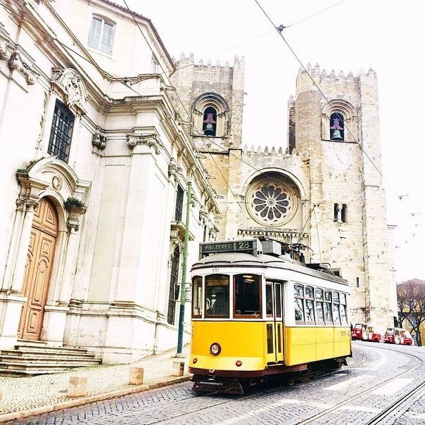 Авиабилеты в Лиссабон (Португалия) за 11200 рублей туда-обратно из Москвы весной