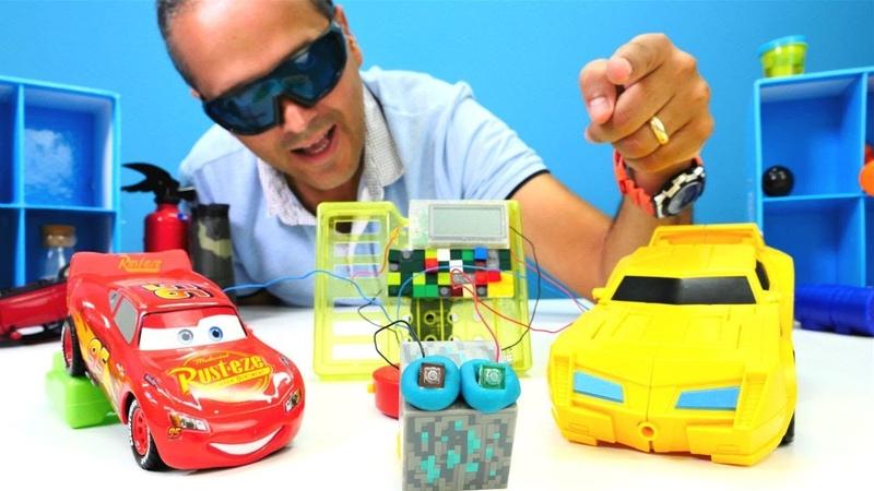 Joker yarış varken Mcqueen ve Bumblebee arabaların enerjisi çalıyor