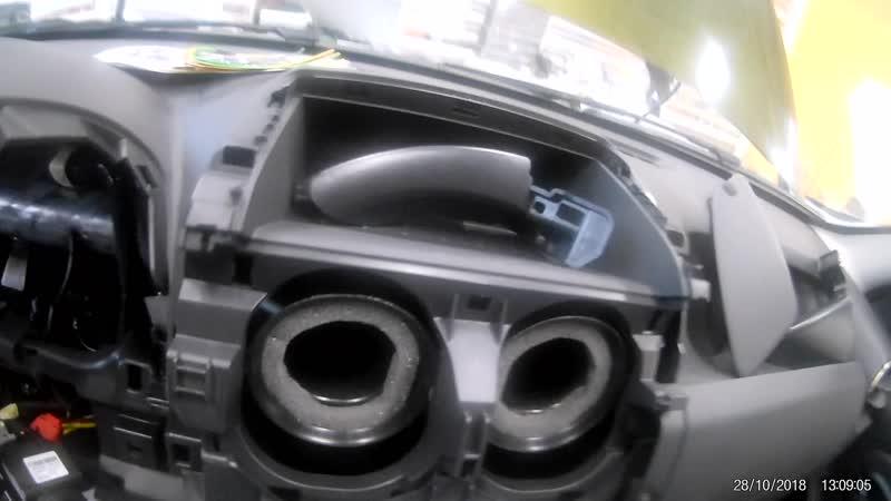 Защита от угона Renault Duster - Пример разбора салона для скрытной установки