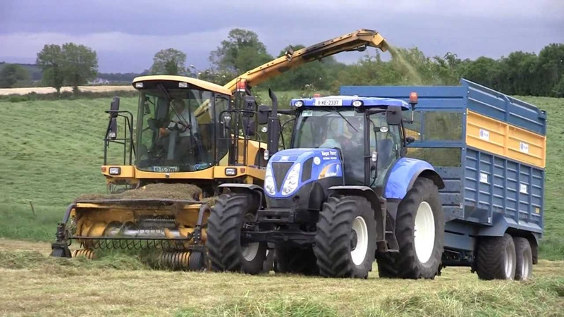 Silage Harvesting with Roger Perry at the Grass New Holland Agriculture