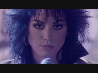 Joan Jett & The Blackhearts - I Hate Myself for Loving You (Официальное видео)