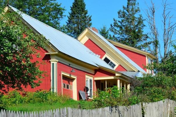 ВЕДЬМИНО ОКНО АРХИТЕКТУРА ШТАТА ВЕРМОНТ Ведьмино окно эта архитектурная странность, которую можно наблюдать в американском штате Вермонт, является неотъемлемой частью старых фермерских домов.