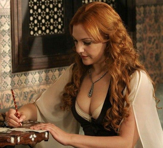 через смотреть фото сексуальная грудь хюррем султан ней ктото