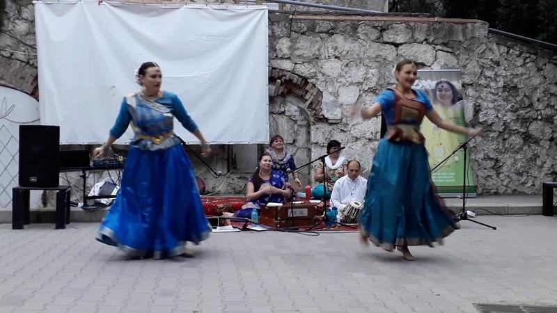 Йога Даини и Чайтанья - Дни Индии в Крыму 2018
