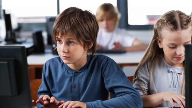 Паата Амонашвили. Общение ребенка в социальных сетях. Запрещать или разрешать?