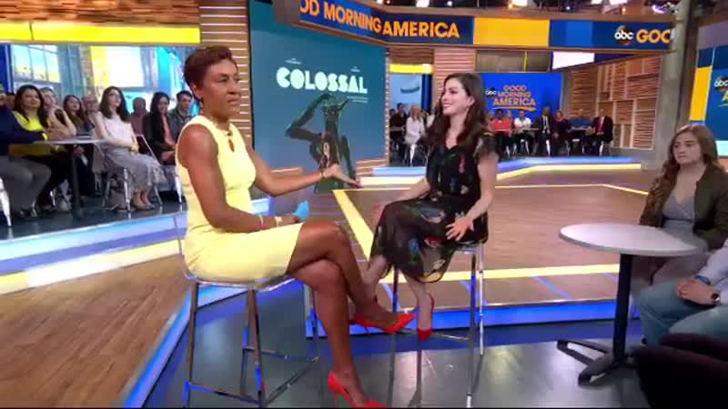 The beautiful dress Anne Hathaway was wearing this morning A 15 flea market dress! @RobinRoberts