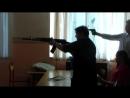 видео техничка тетя Люда учится Родину защищать