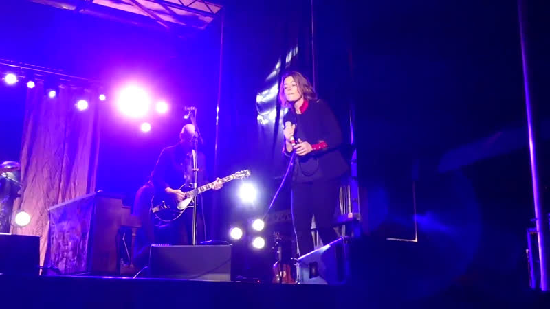 Brandi Carlile - Babe Im Gonna Leave You (Led Zeppelin cover) - 7-21-18 - Thompsons Point