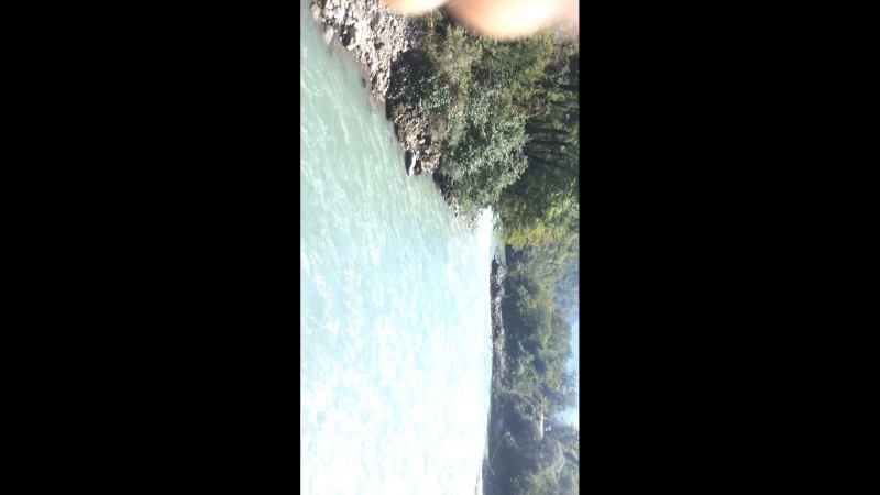 Тарзанка над горной рекой