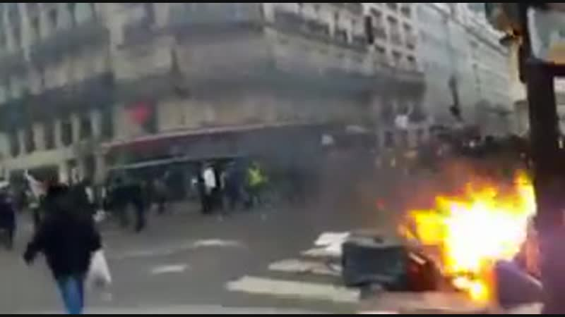 Чрезвычайно напряженная ситуация на вокзале Сен-Лазар (Париж)