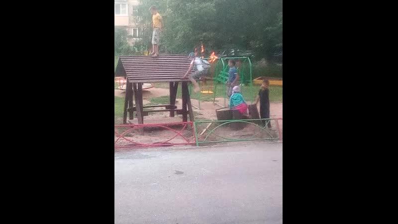 Детская площадка. п. Зеленогорский. Вышневолоцкий район