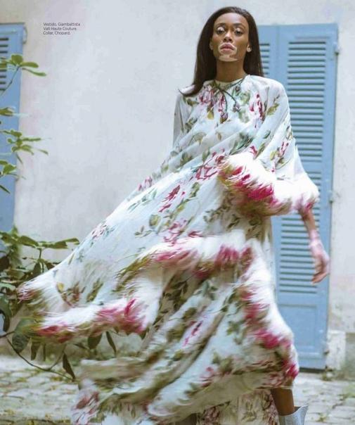 Winnie Harlow Harpers Bazaar Mexico Magazine 11/2018