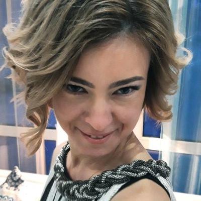 Оля Семенкова
