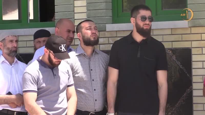 Северная Осетия-Алания, с. Хазнидон, возведение современной мечети. [Осетины]