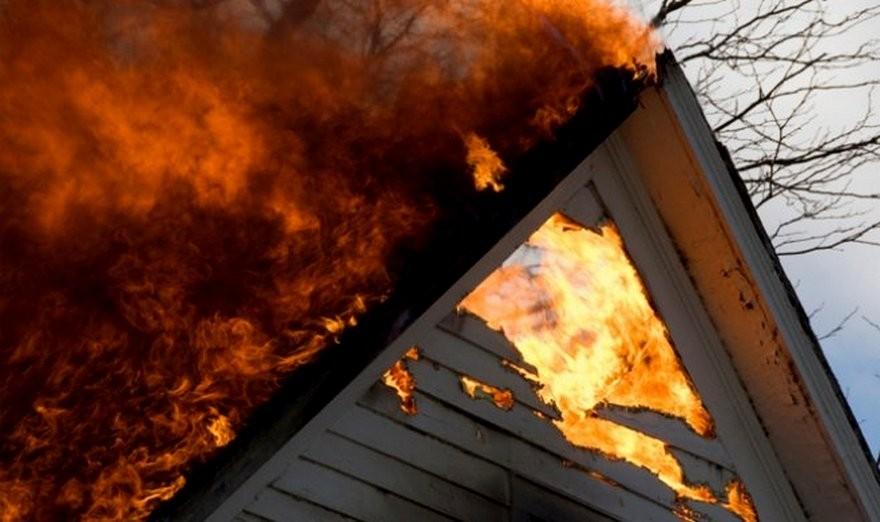 В Мариуполе из-за пожара пострадал ребенок - девочка 11 лет