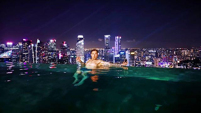 Игорь Лобанов: Бесконечность бассейн Марина бухта пески... ©гуглтранслатор #кэштег #signapoor #view