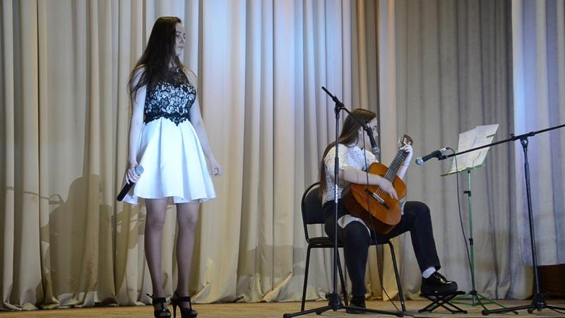 Сёстры Ахмеровы с песней Алилуийя