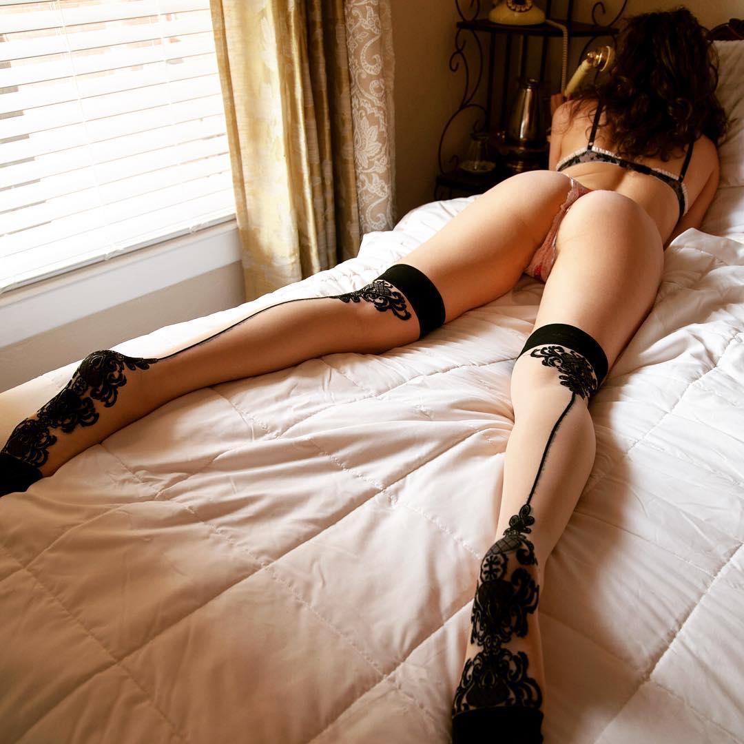Innocent hawt dark brown playgirl doing