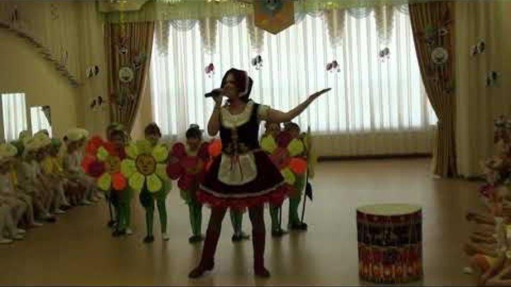 Танцевально-театральная композиция Красная Шапочка на цветочной поляне