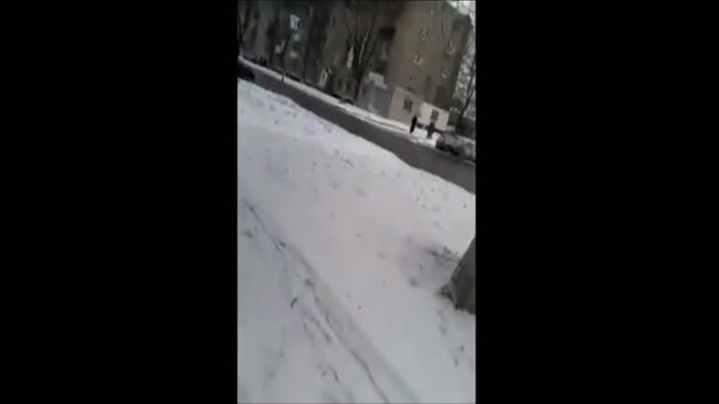 Колонна российских РСЗО Смерч едет по Макеевке в феврале 2015-го
