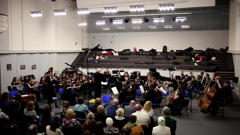 В.Беллини Концерт для гобоя с оркестром Es-dur (1 часть), солист Даниил БЕЗВОРОТНИЙ, класс преподавателя В.П.Хуссу