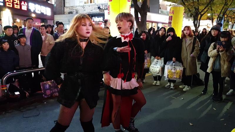 《Apink_1도없어》 레드크루(이강용,한소연) 2018.10.27 홍대 할로윈버스킹
