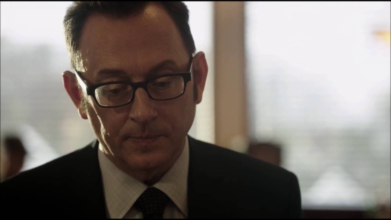 Person of Interest - Finch drinks a coffee with the Machine (05x11)
