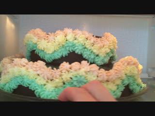 Всегда любила печь торты, особенно нереально красивые 😊