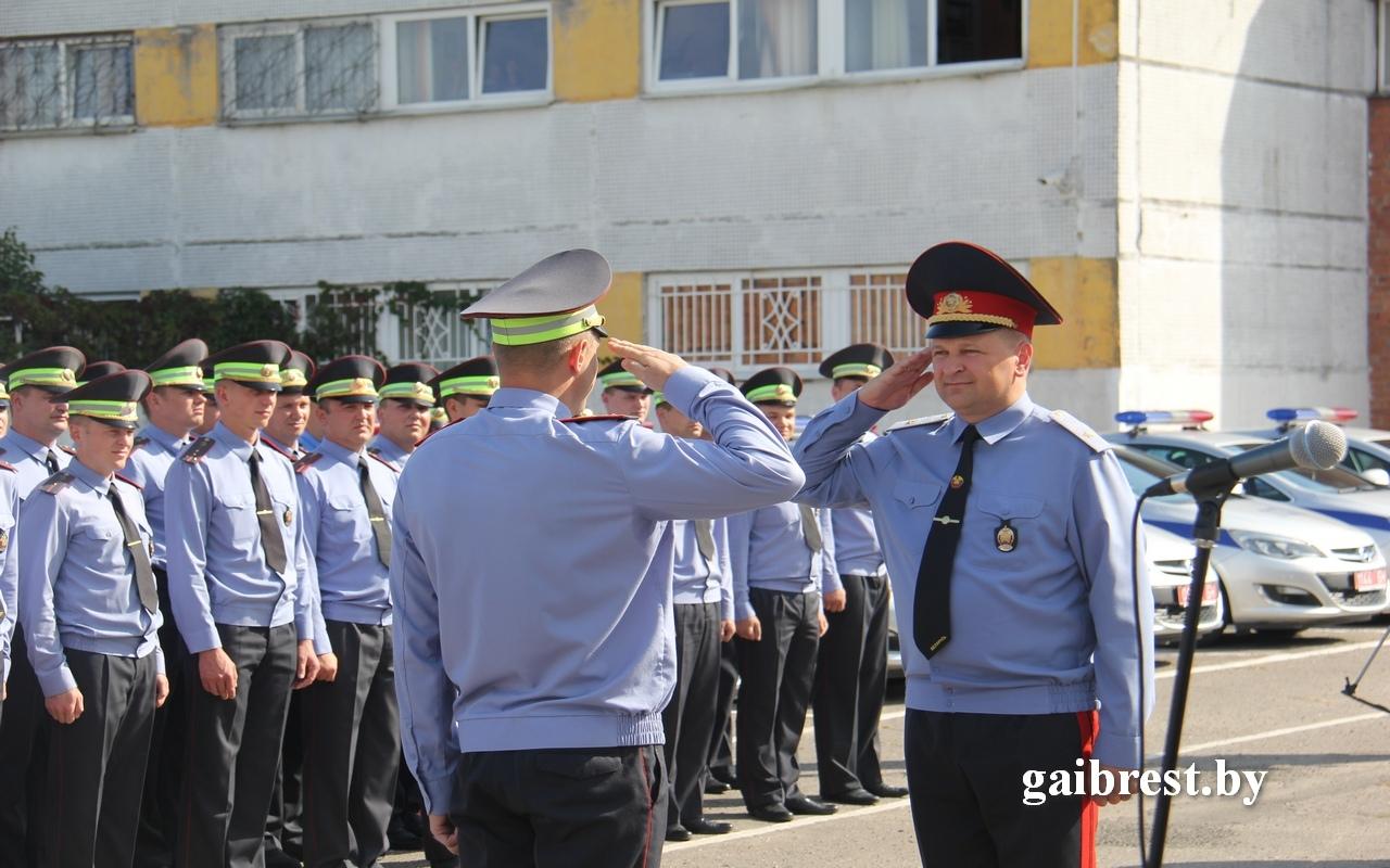Лучшим инспекторам ГАИ области вручили ключи от новых патрульных автомобилей