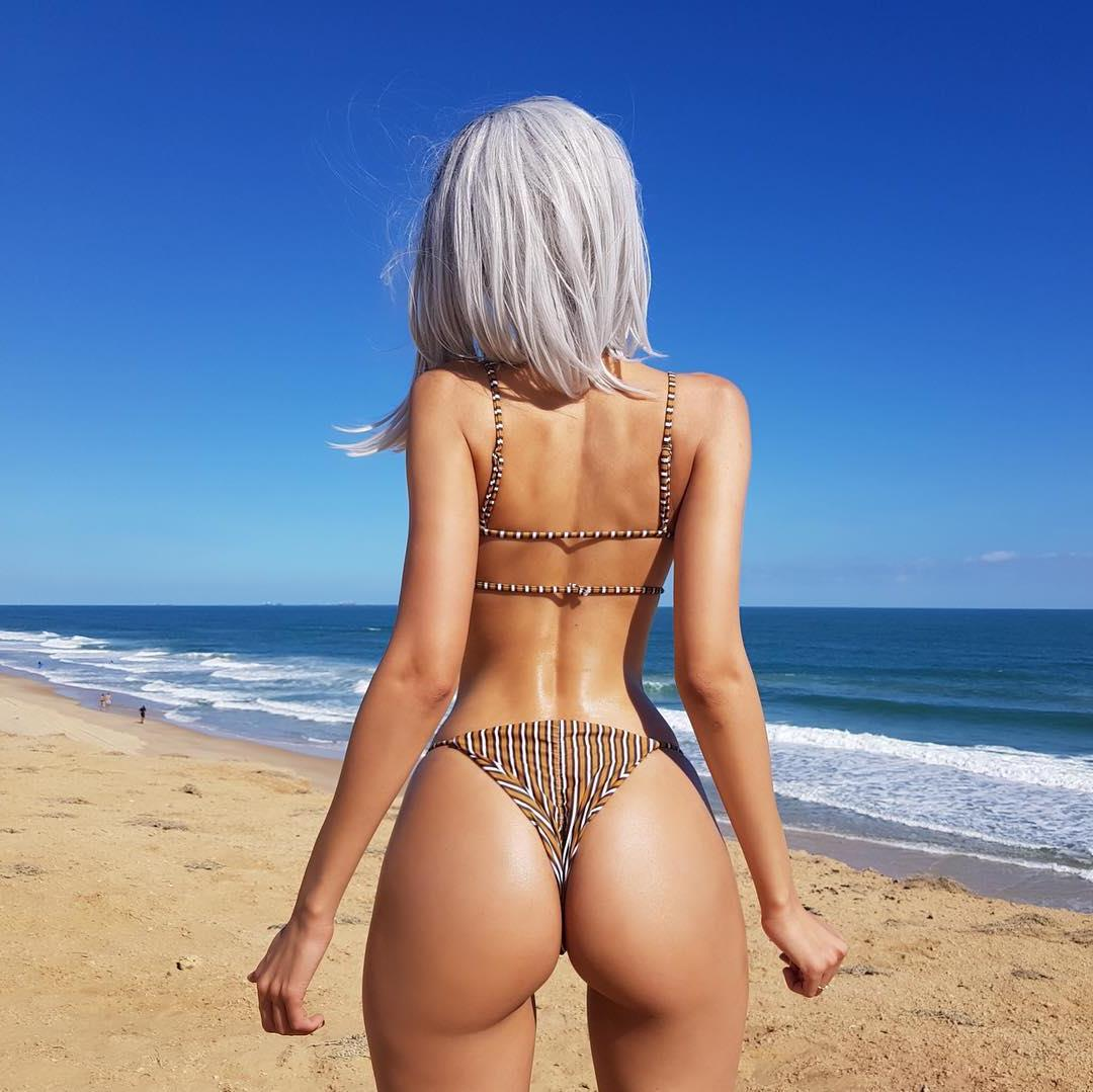 Naked perfect ass — 3