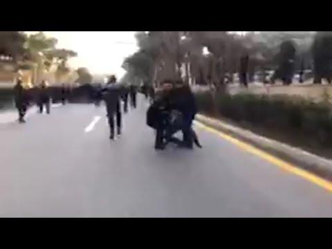 Polislər Şəhidlər Xiyabanına gedən jurnalist və müxalifətçiləri həbs edir Video MeydanTV
